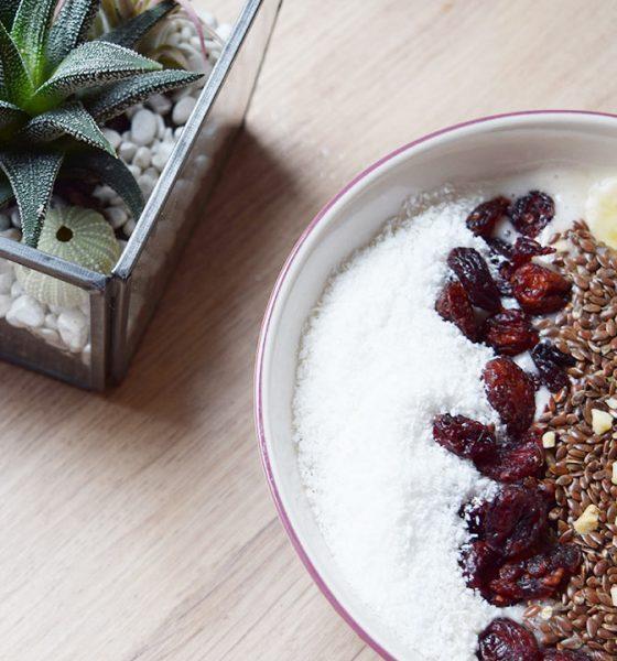 TIPP: Chia & Erdbeeren Smoothie Bowl – der schnelle, vegane Snack
